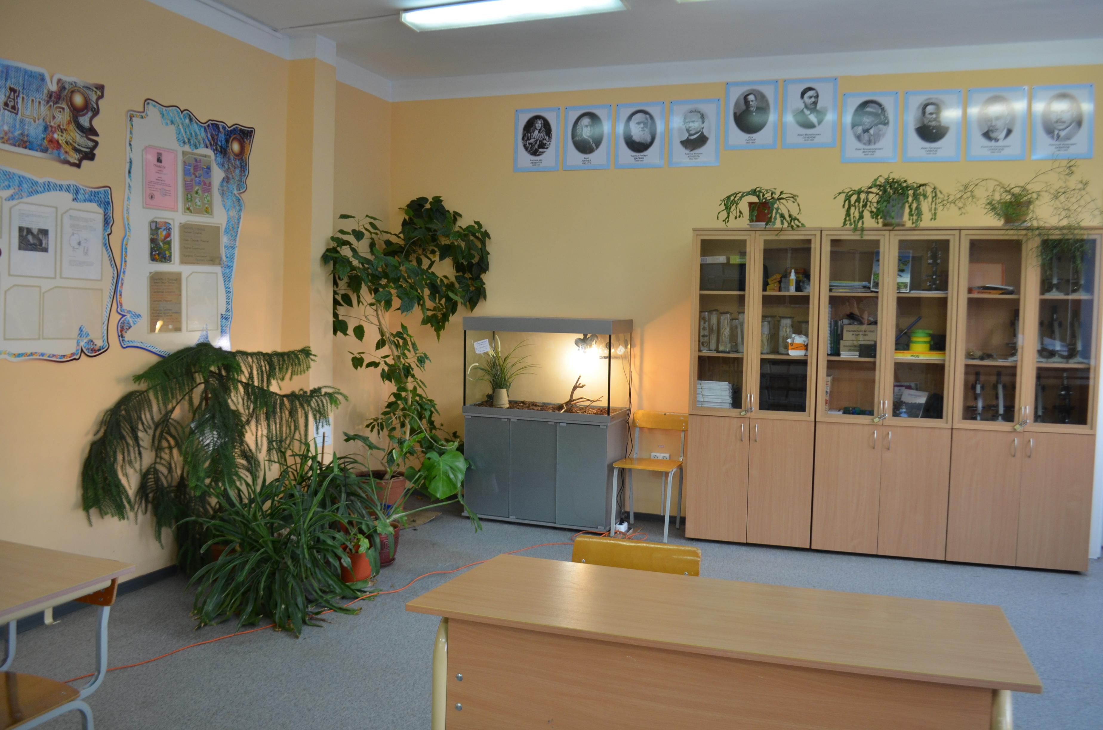 Гостиная кабинет в одной комнате фото также делимся